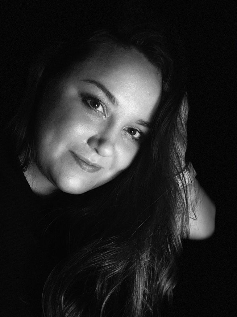 Portrait von Martina Tovar - Künstlerin aus Kiel